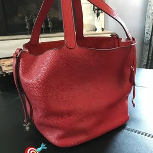 Handbags - Red Leather Tote 🎯🎯🎯